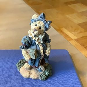 Adorable Boyd's Bear Figurine.